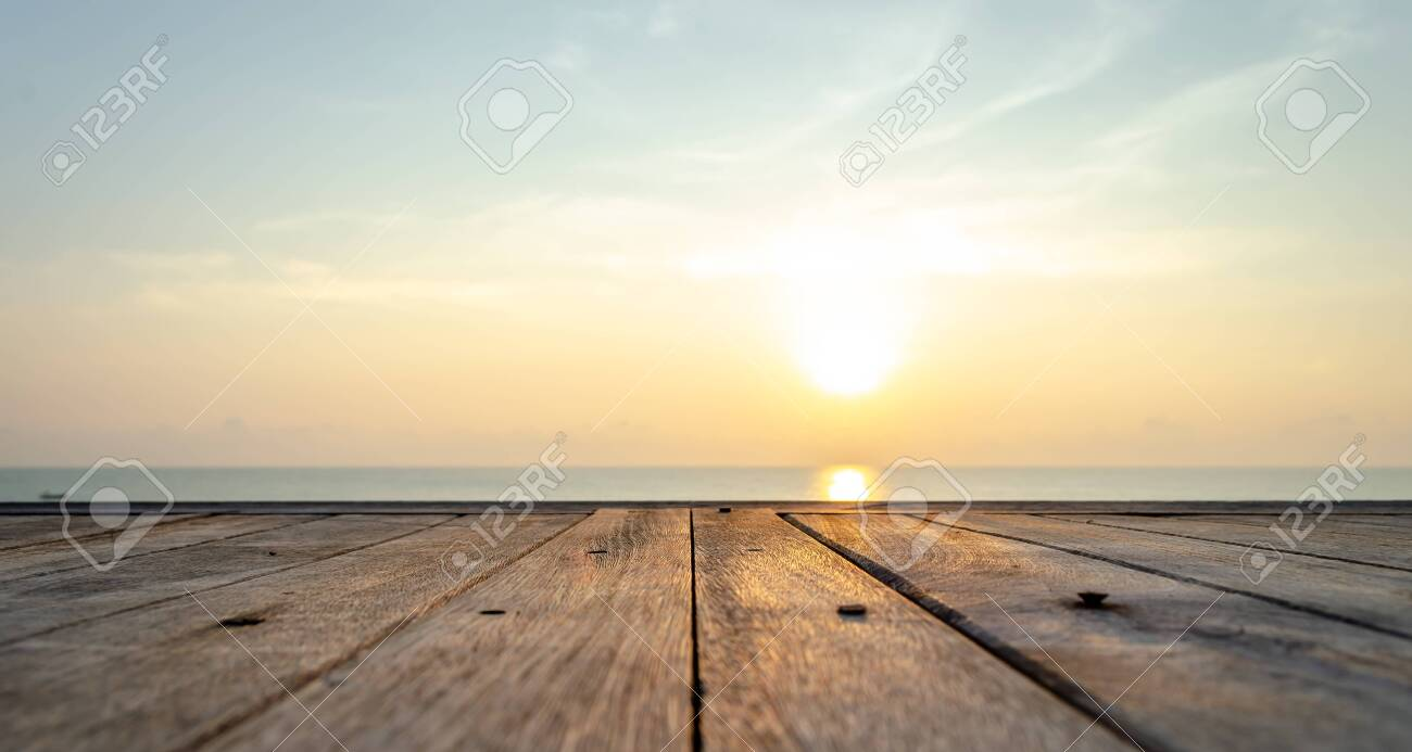 Viewing the sunrise at the beach in Hua Hin - 131711997