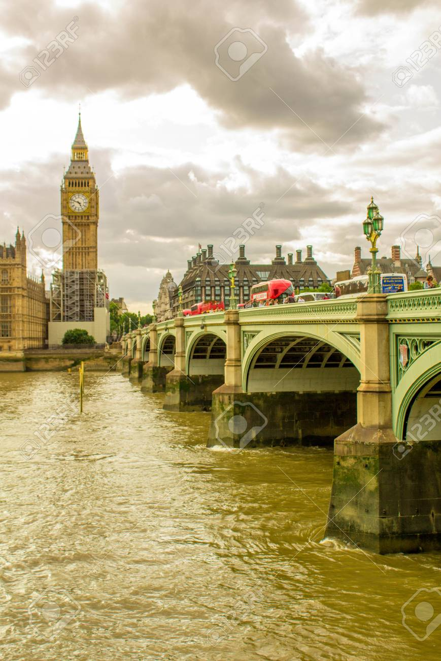 One Of The Worlds Most Famouse Bridges Westminster Bridge Which Crosses Famous River