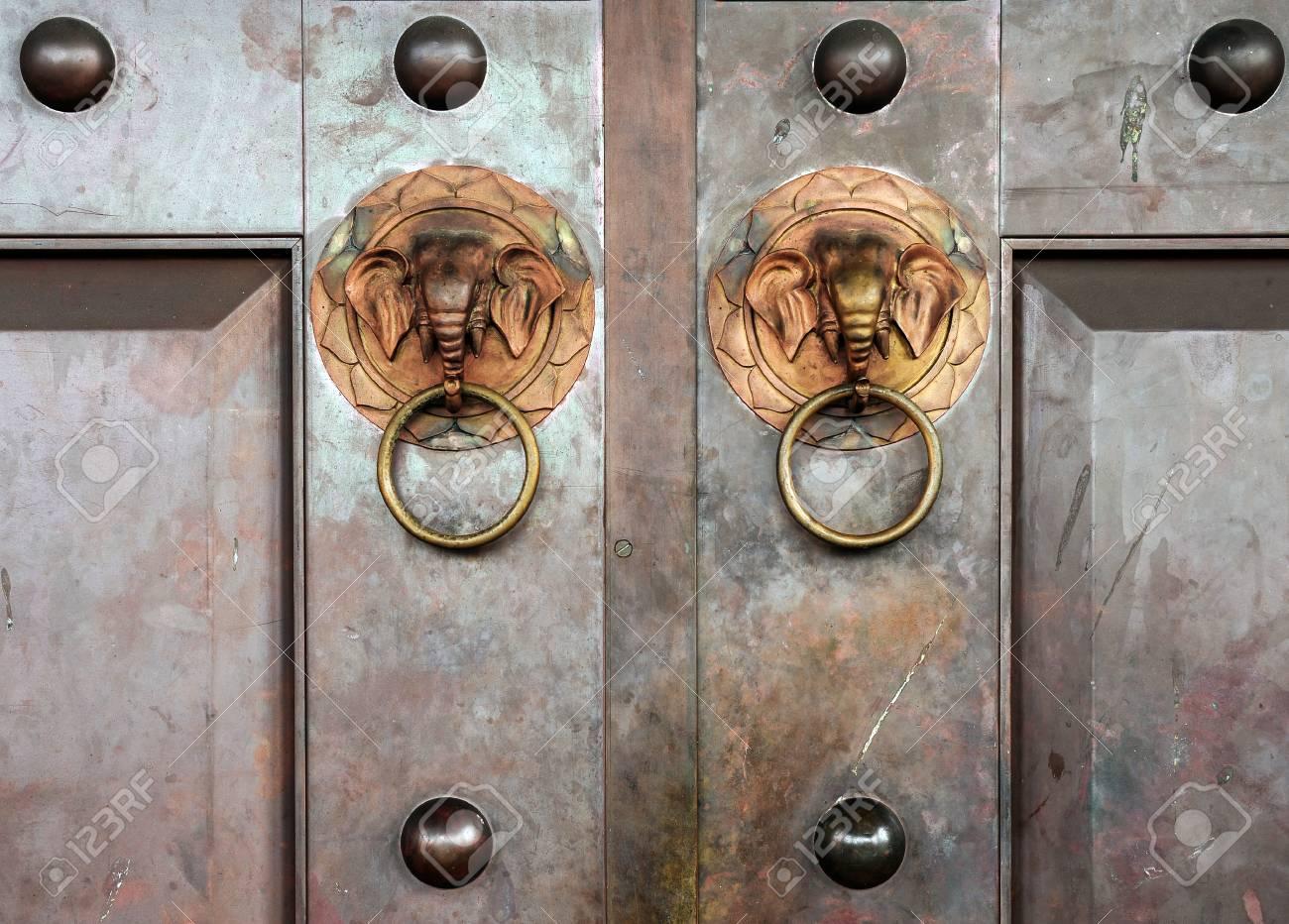 Superbe Elephant Hand Door Knocker Stock Photo   29957475