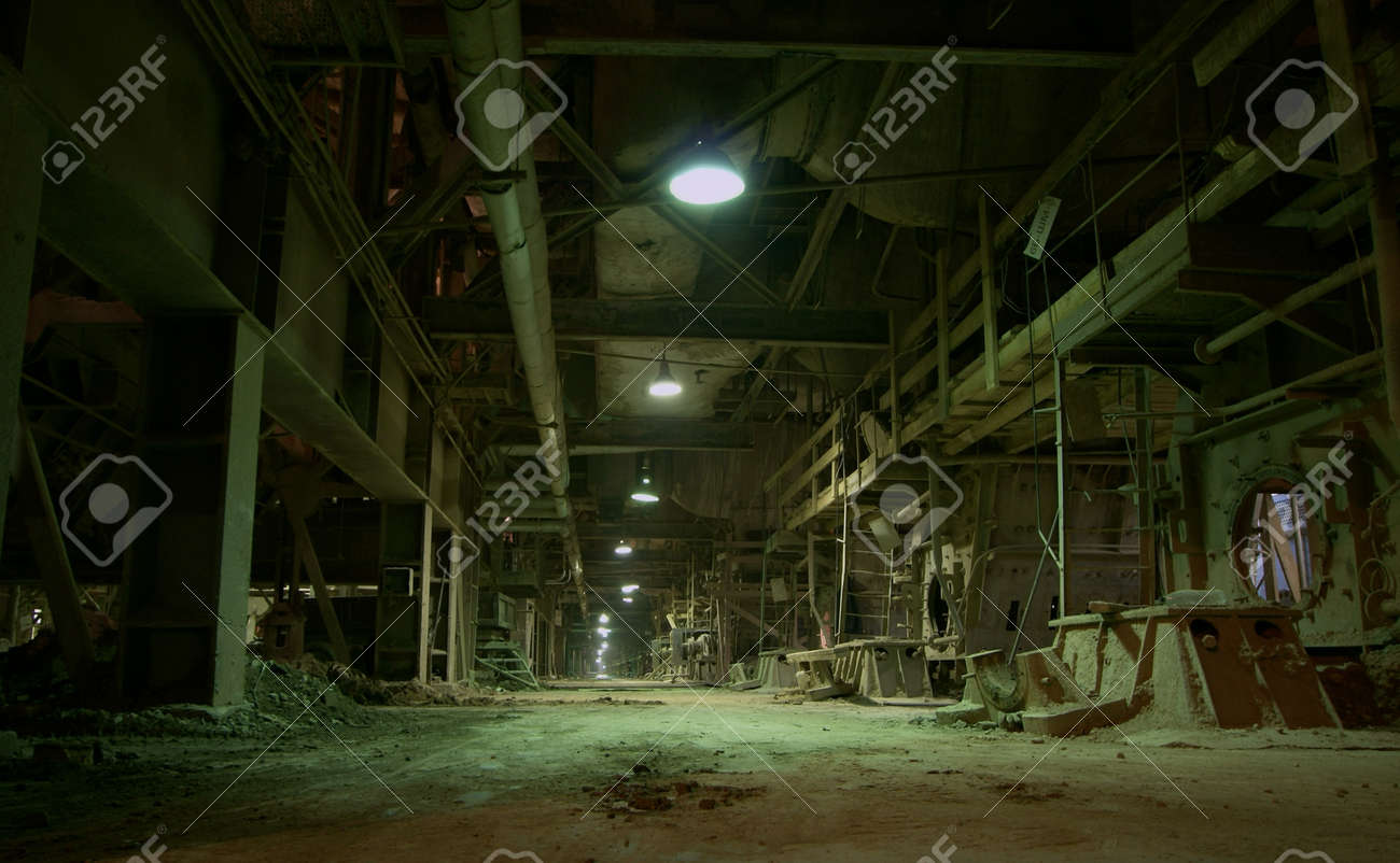 Old abandoned factory - 15285707