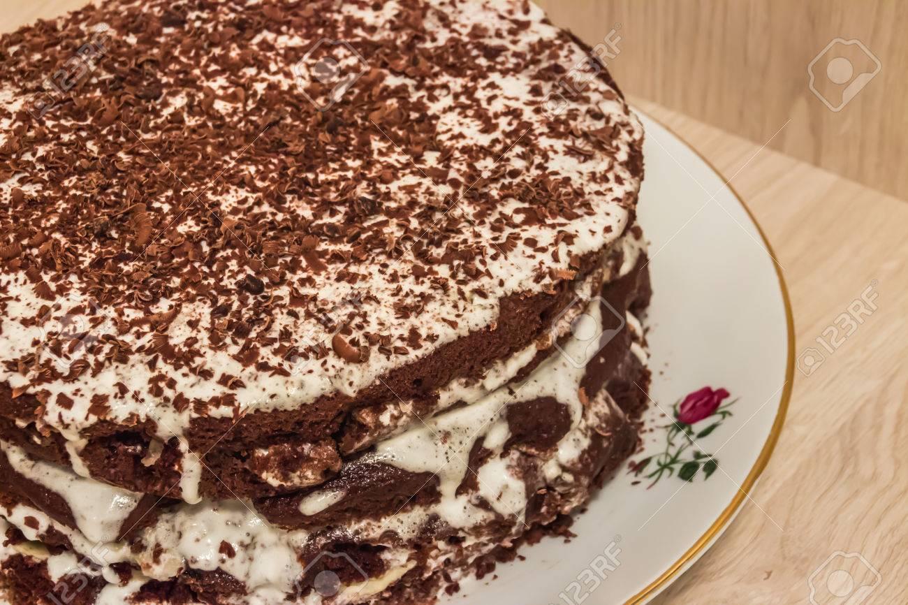 Shocolate Kuchen Wird In Saurer Sahne Und Dekoriert Mit Schokolade
