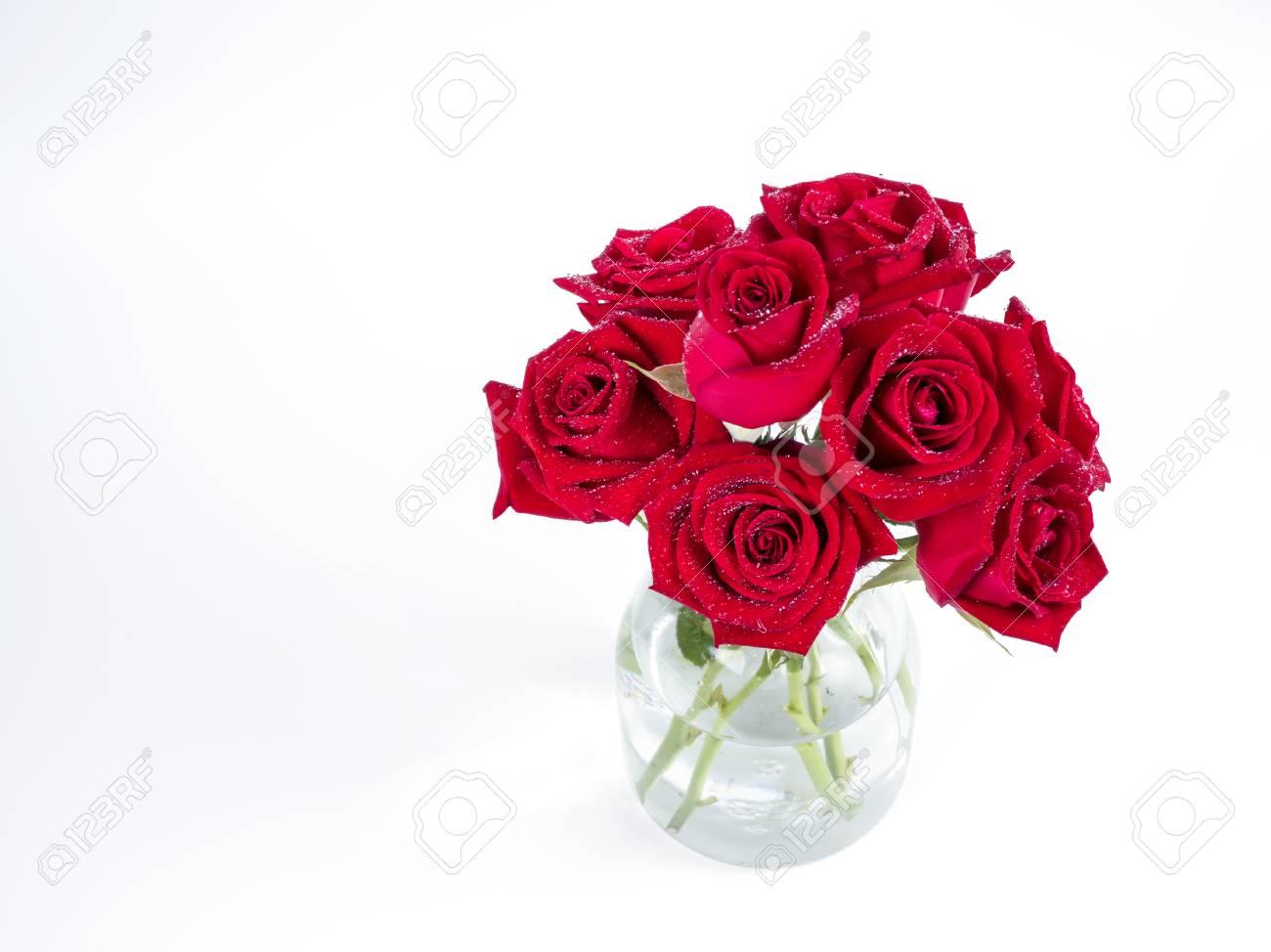 Blumenstrauss Rote Rosen Blume In Glasflasche Auf Isolierte Weissen