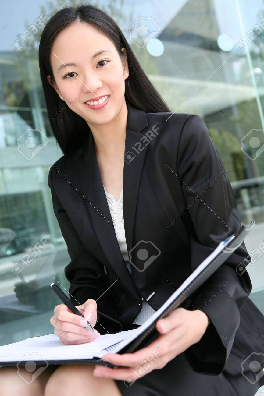 A beautiful asian business woman in office building Stock Photo - 3069761