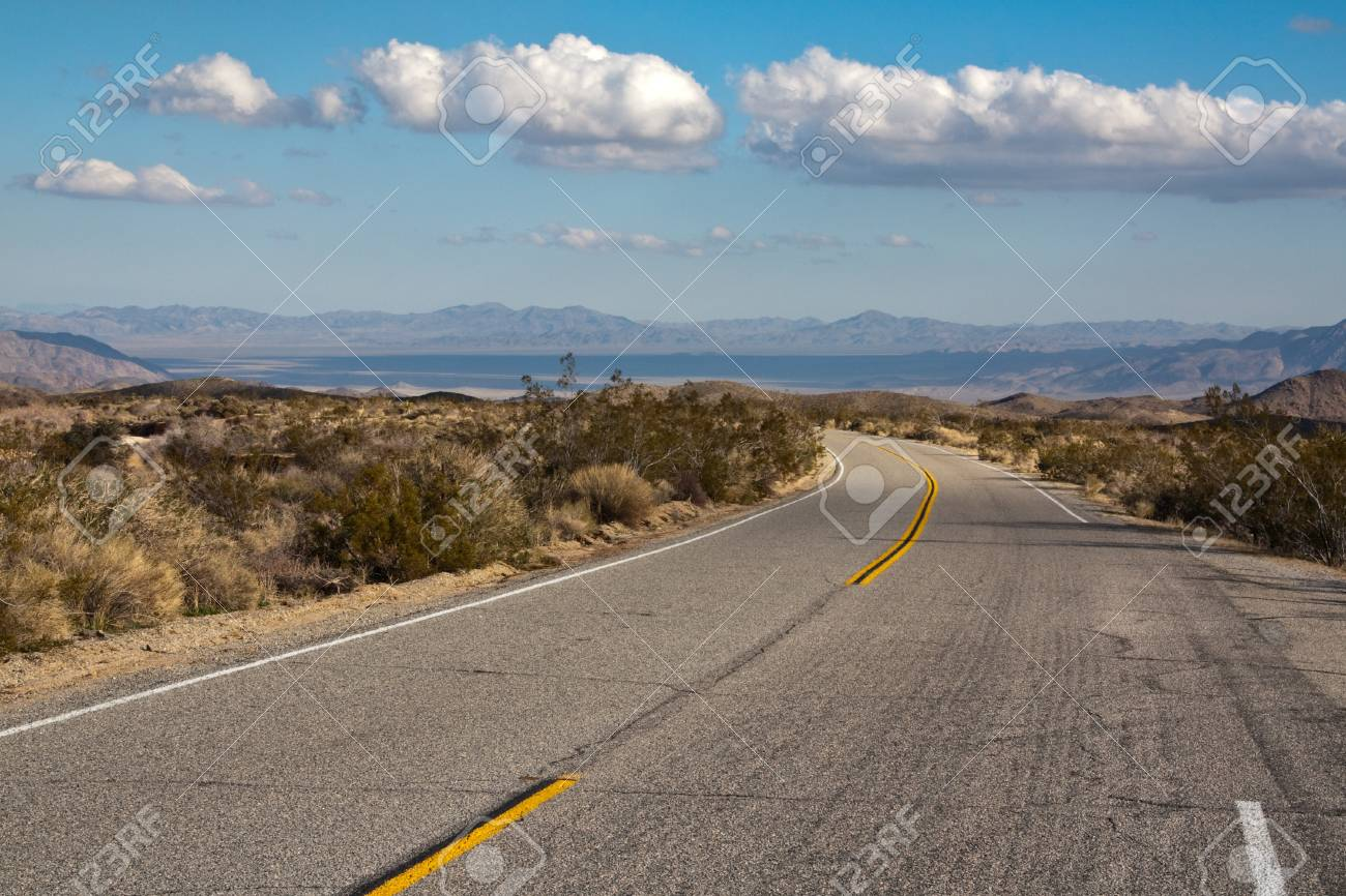 Road in Joshua Tree National Park, California. Stock Photo - 14721695