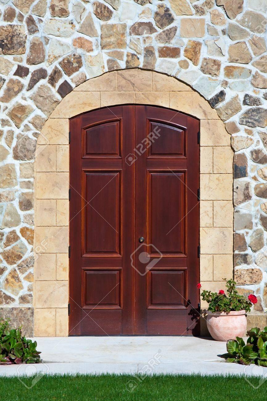 Elegantes Herrenhaus Tür In Napa Valley, Kalifornien. Lizenzfreie ...