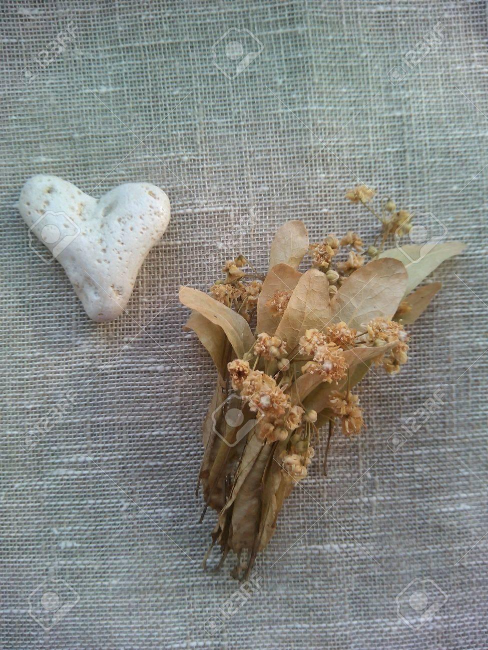 Сердце из камней 100