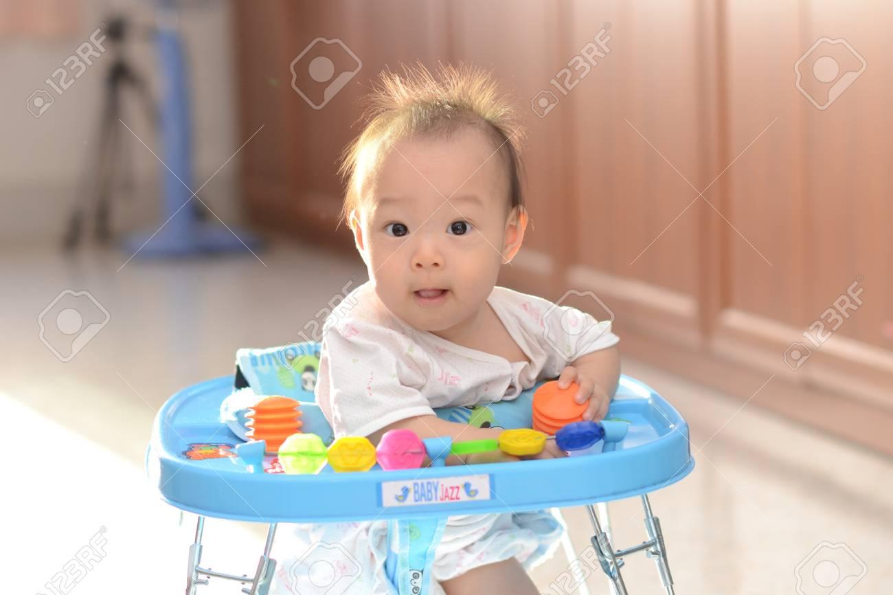 Cute Asian baby girl Stock Photo - 14156652