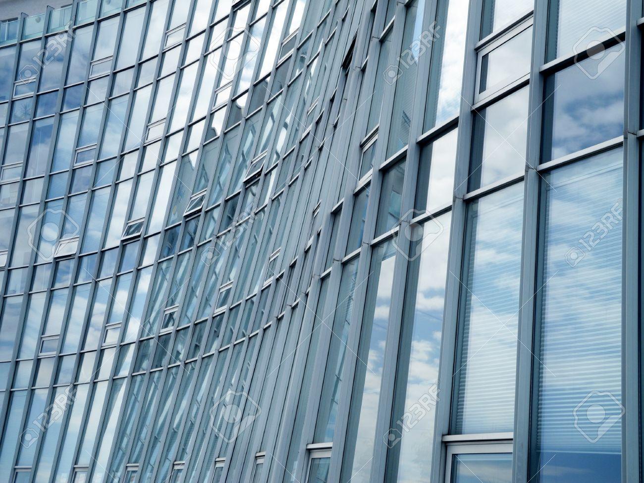 Fassade glas  Moderne Glas Und Aluminium-Fassade Lizenzfreie Fotos, Bilder Und ...