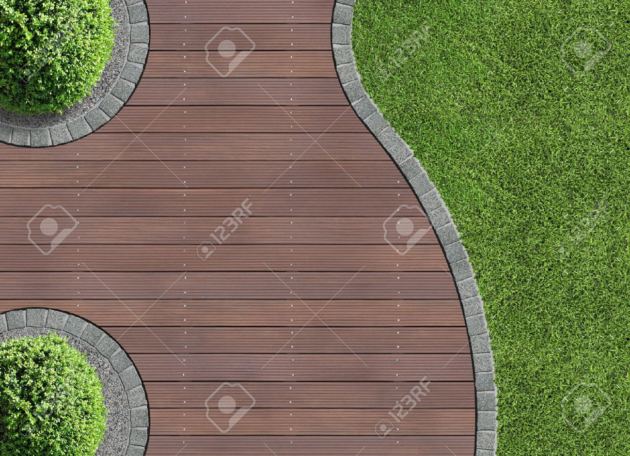 Detalle Jardín En Vista Aérea Con Terraza De Madera