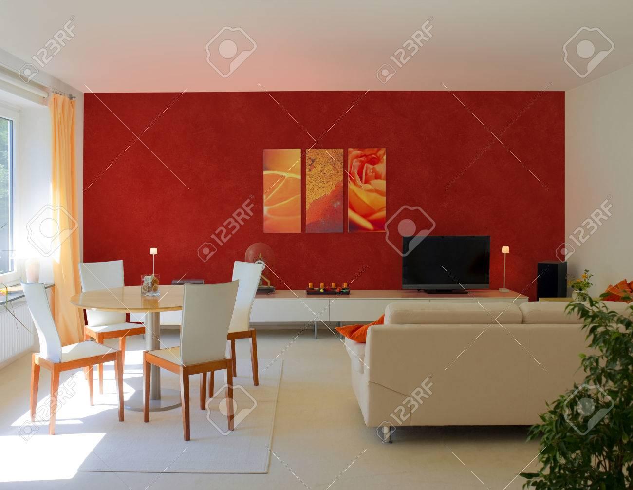 Sala Y Comedor Moderna Habitación Con Paredes De Color Rojo Para ...