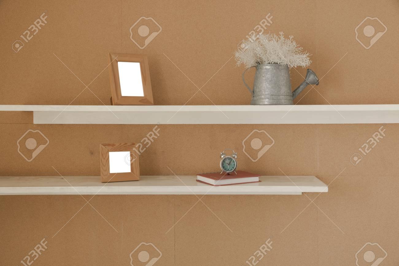 Decorare Con Le Mensole : Parete decorata con mensola in cartongesso k systems snc di