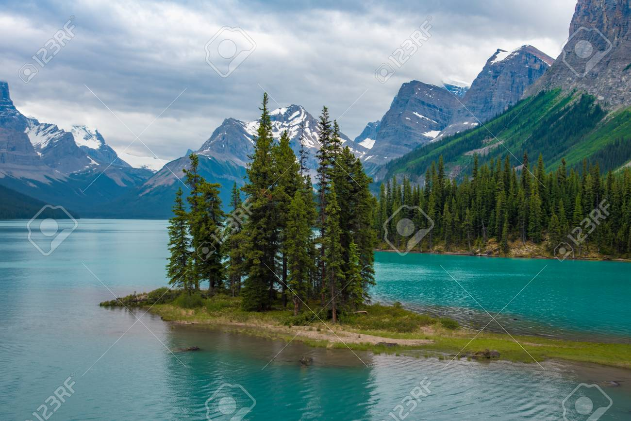 Canada forest landscape of Spirit Island with big mountain in the background, Alberta, Canada. - 115343693