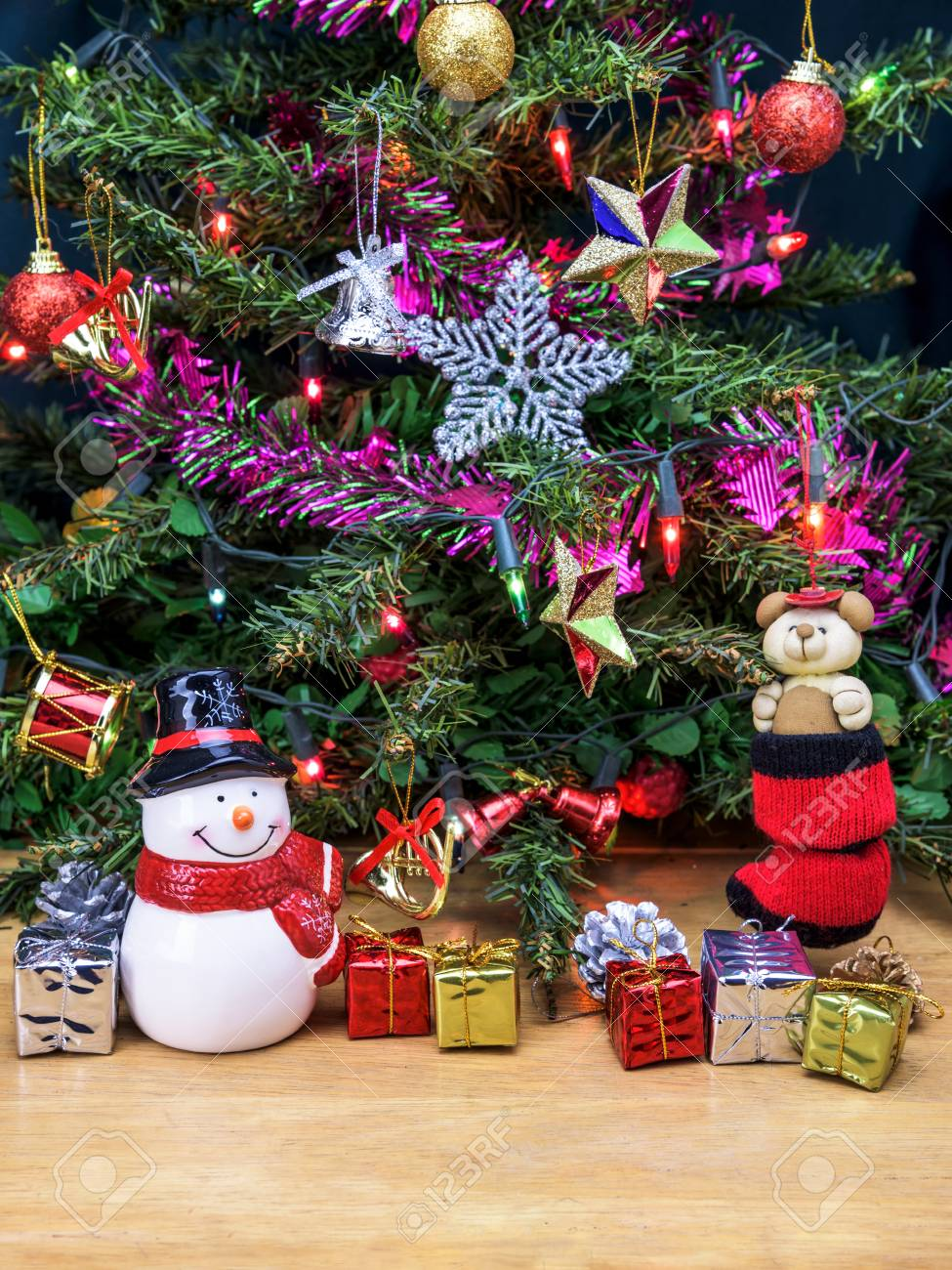 Christmas Tree And Snowman Ceramic Doll With Gift Box And Decorations