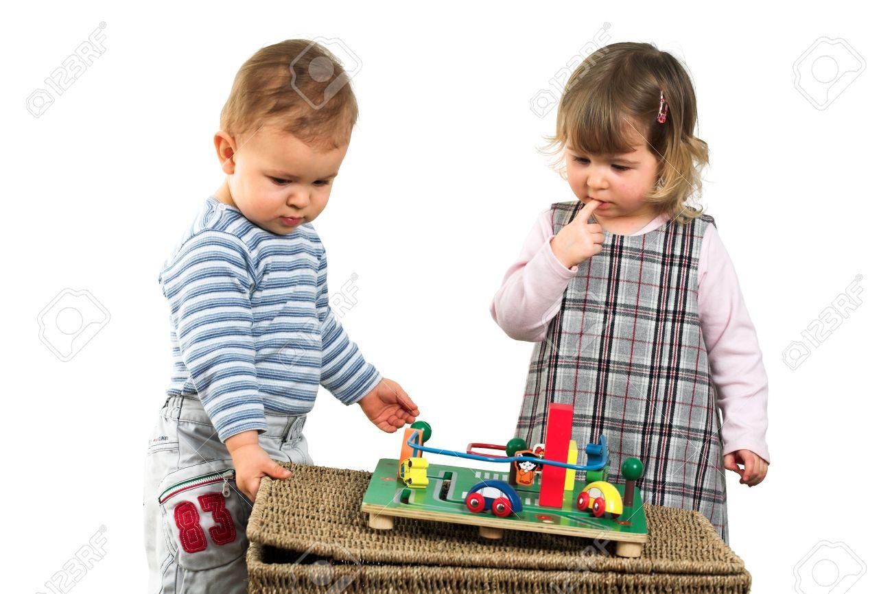Фото детей играющих вместе