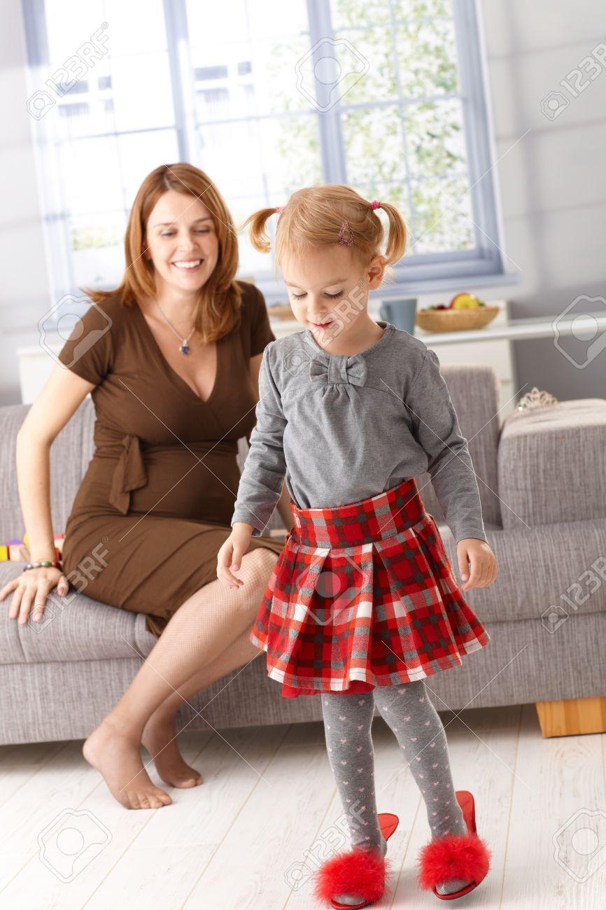 Little Mother's Heel SlippersPregnant Red Girl Wearing High 6I7bgYyfv