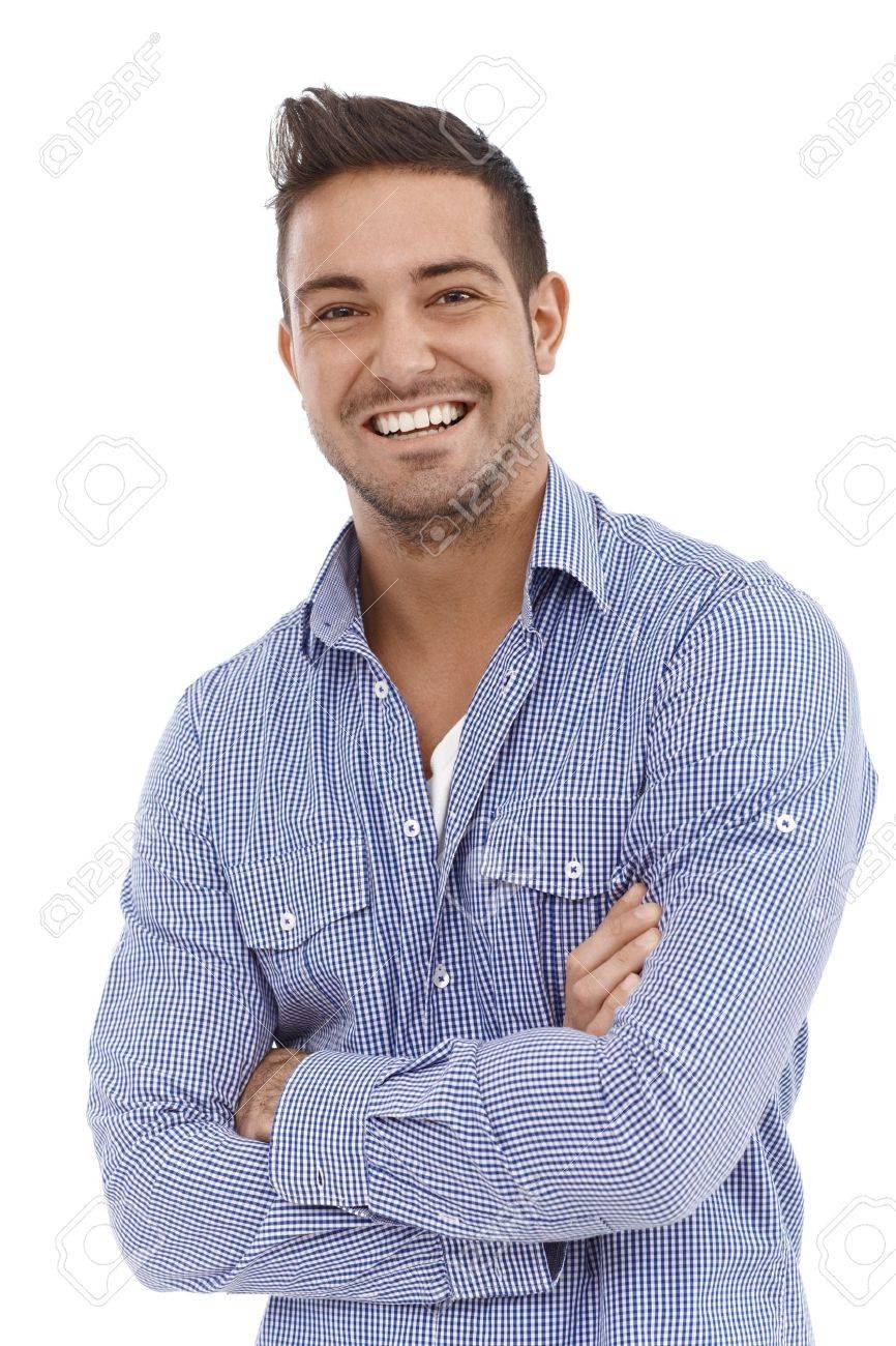 Homme Souriant portrait de confiance jeune homme souriant les bras croisés. banque