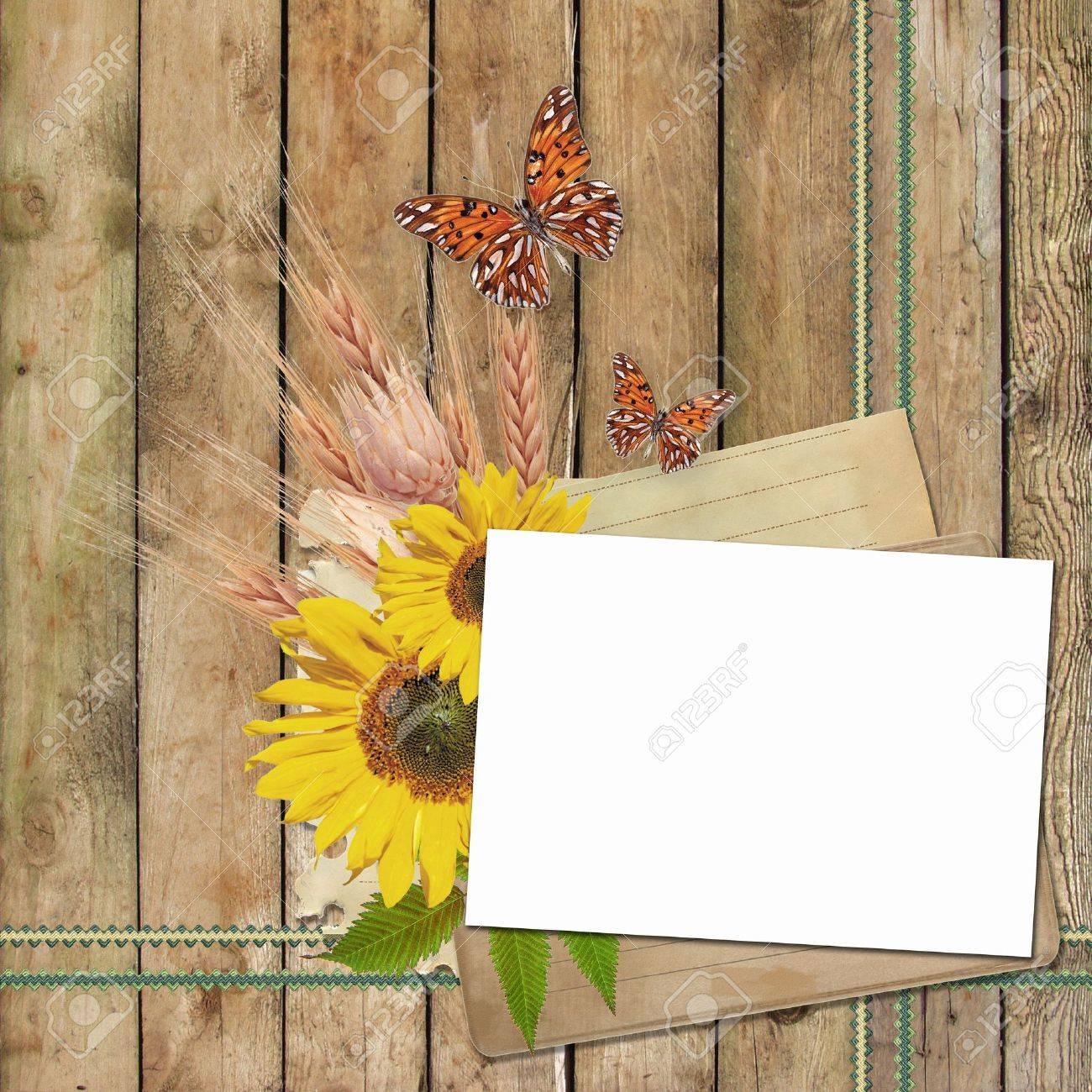 Tarjeta De Invitación O Felicitación Con Girasoles Y Mariposa