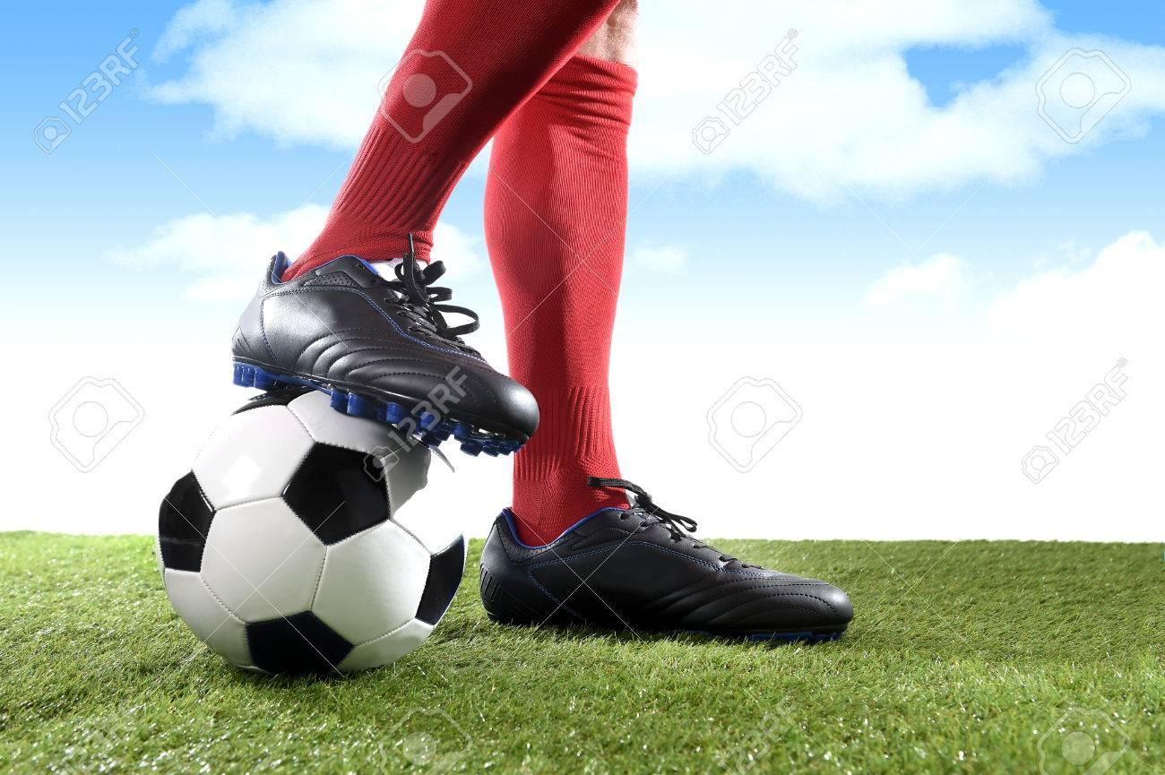 Y Pies Cerrar Del Las Los En De Rojas Medias Piernas Fútbol Jugador pAZE6