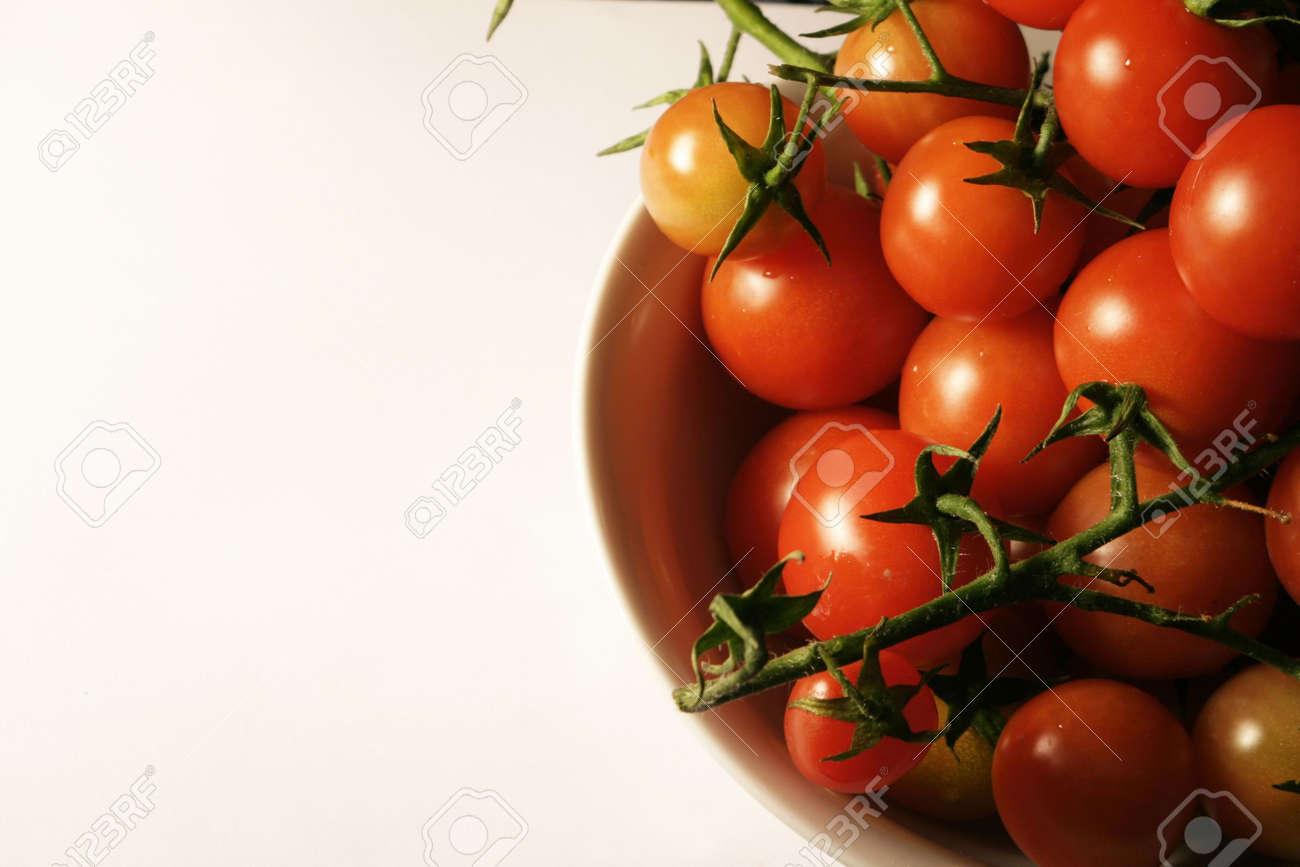 Tomatoes on the vine, macro. shallow DOF. Stock Photo - 918335