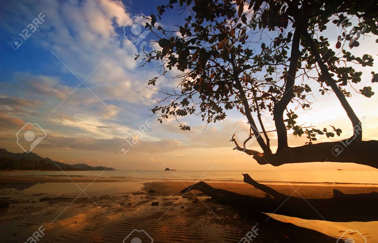 Sunset on tropical beach. Siam bay. Province Trat. Koh Chang island. Kingdom Thailand Stock Photo - 4652708