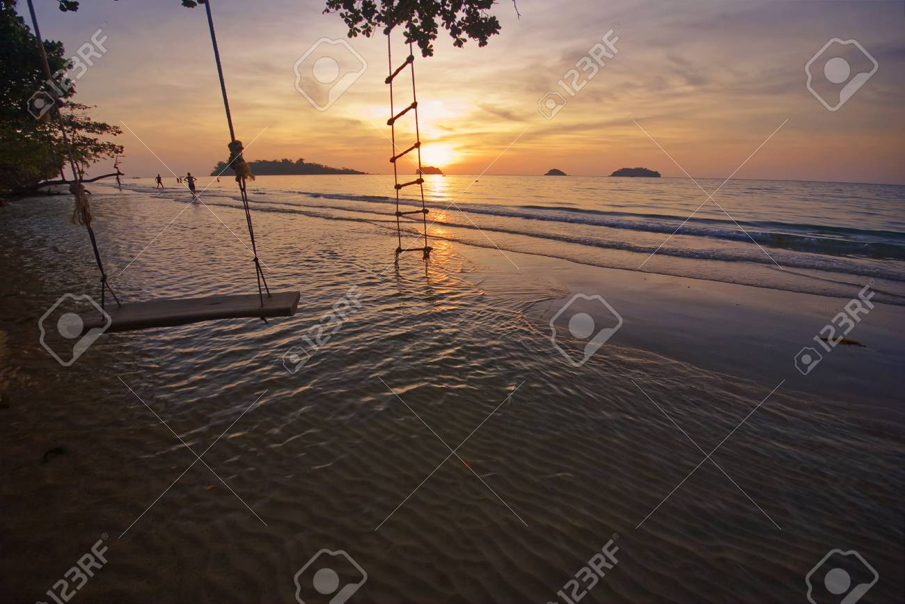 Sunset on tropical beach. Siam bay. Province Trat. Koh Chang island. Kingdom Thailand Stock Photo - 4652862