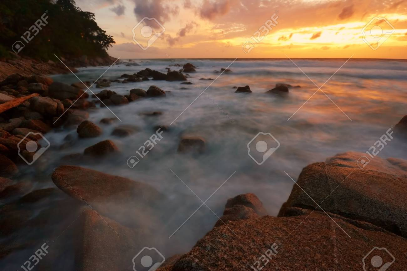 Beatiful sunset in the sea Stock Photo - 6502675
