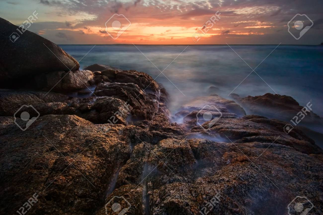 Beatiful sunset in the sea Stock Photo - 6502677