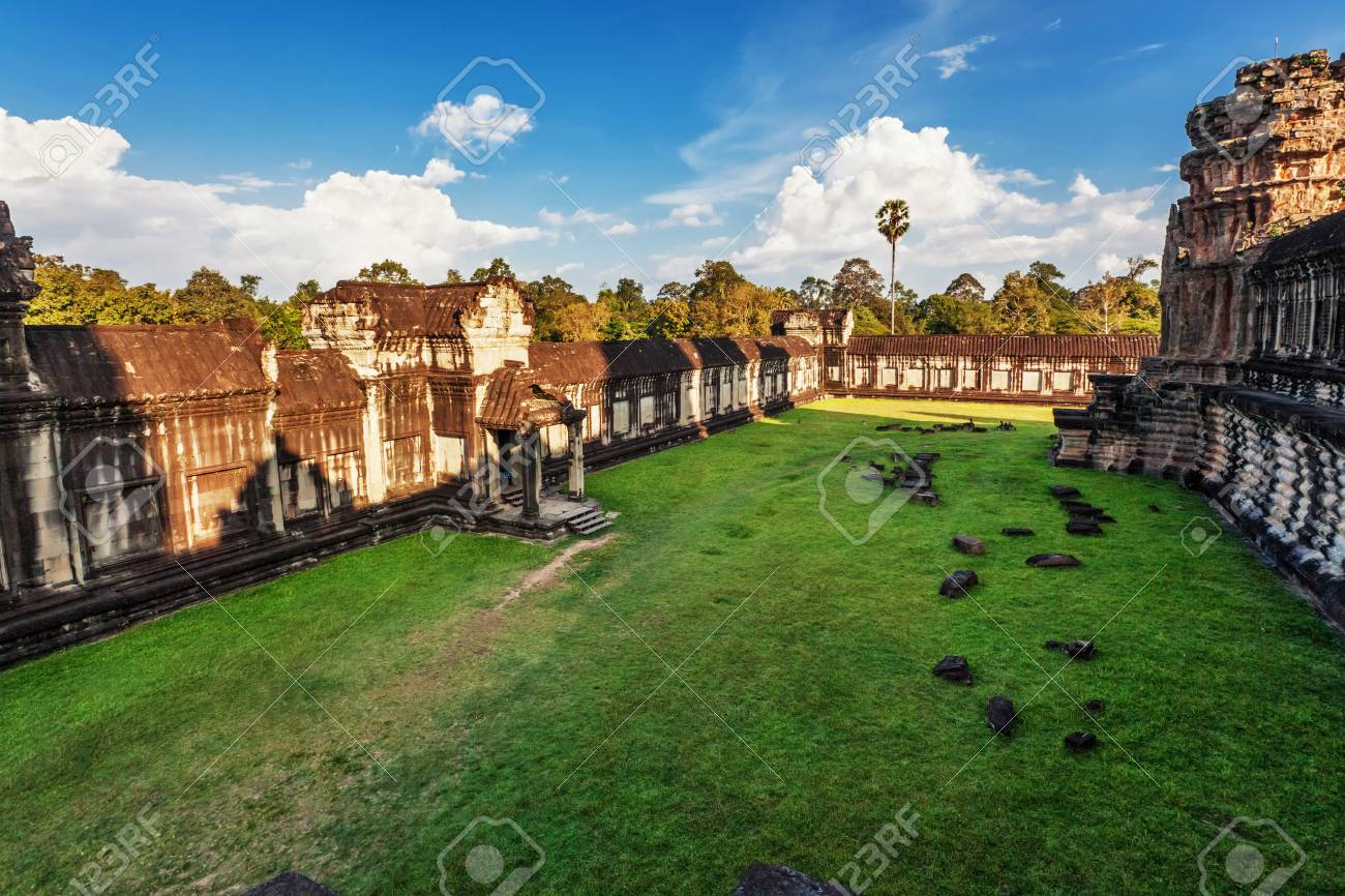 Angkor Wat Temple, Siem reap, Cambodia Stock Photo - 17195882