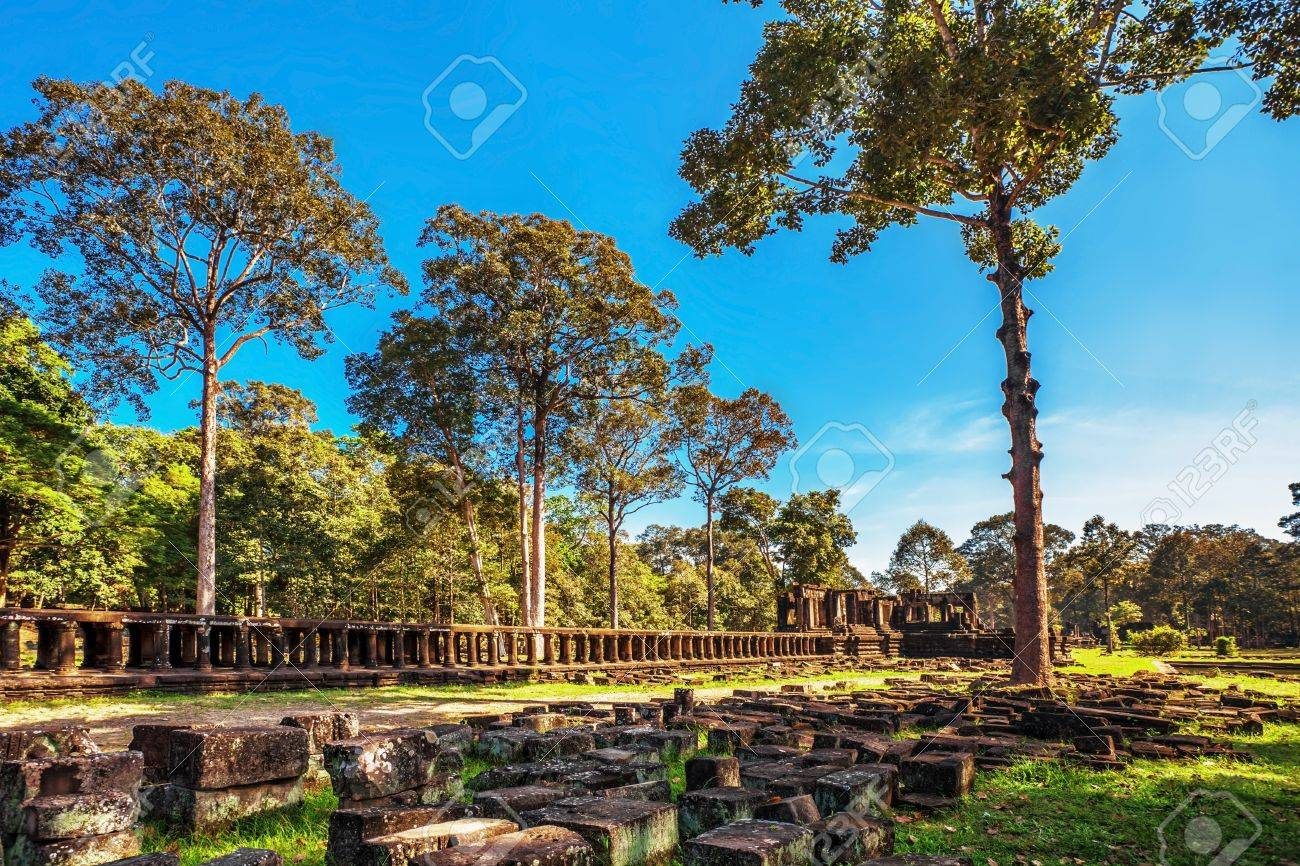 Ancient buddhist khmer temple in Angkor Wat complex, Cambodia Stock Photo - 17195885