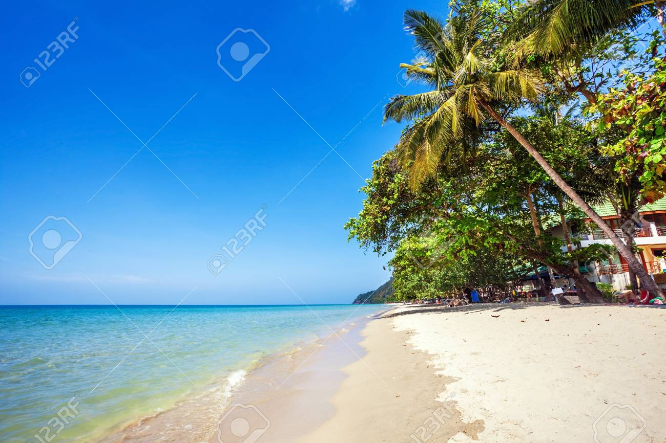 Beautiful tropical beach with  sea view, clean water   blue sky  Nature background Stock Photo - 17195875