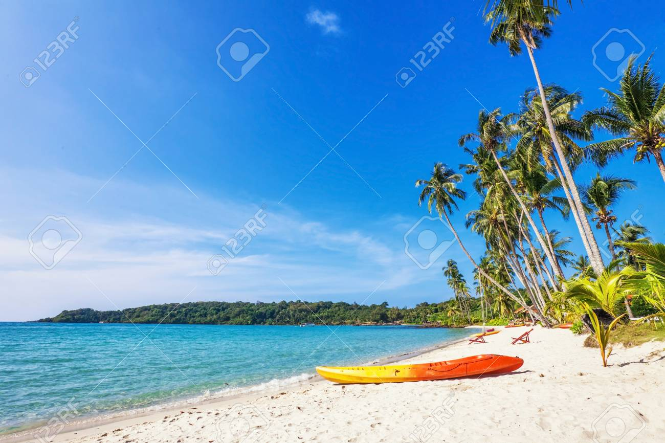 Beautiful tropical beach with  sea view, clean water   blue sky  Nature background Stock Photo - 17195868