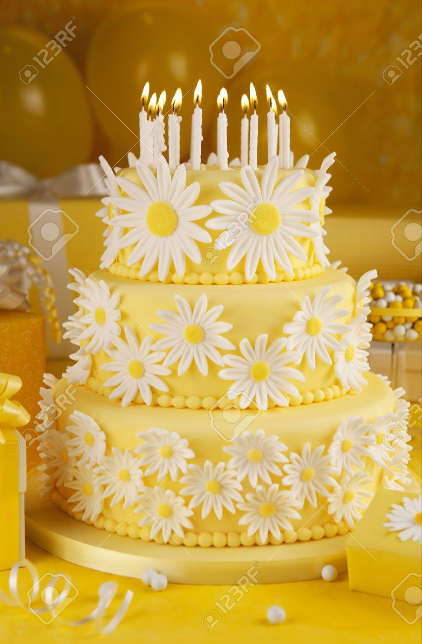 Pleasant Daisy Birthday Cake Stock Photo Picture And Royalty Free Image Funny Birthday Cards Online Elaedamsfinfo