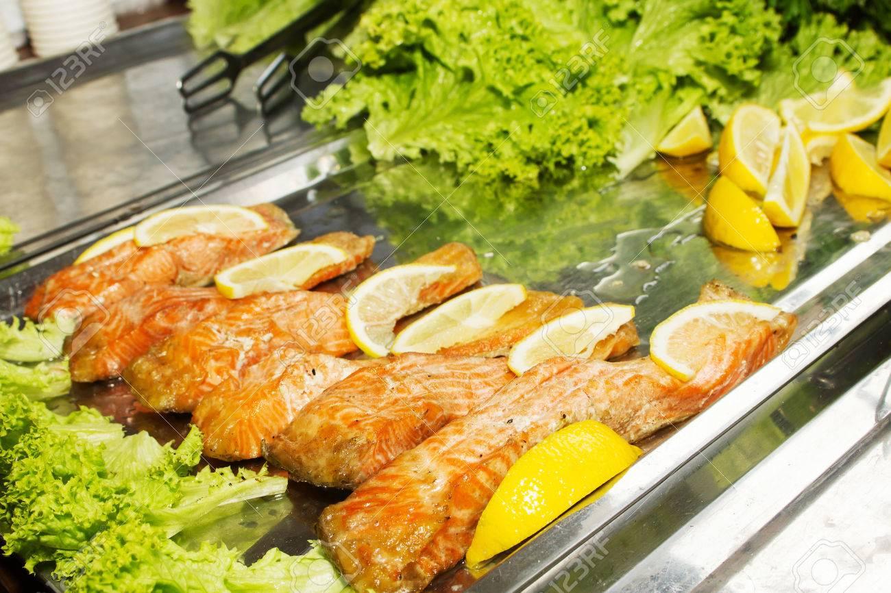 filete de pescado con verduras en horno