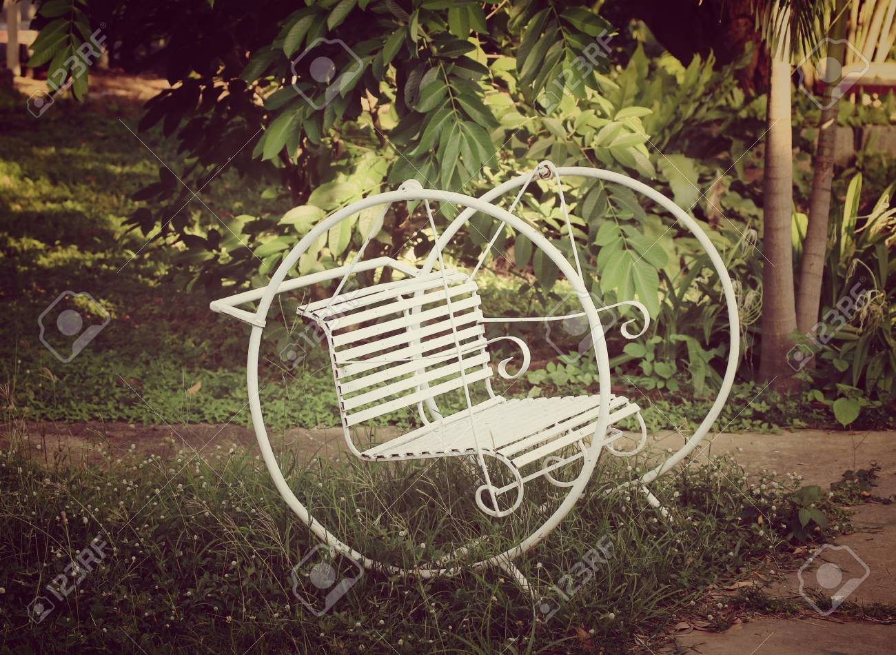 Blanc Balancoire Chaise Banque D Images Et Photos Libres De Droits