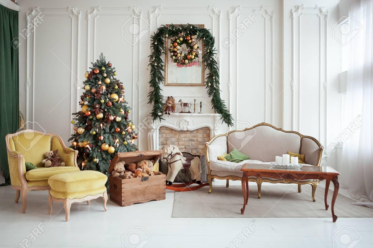 Bel Interieur De Noel Decoration De Nouvel An Salon Avec Cheminee