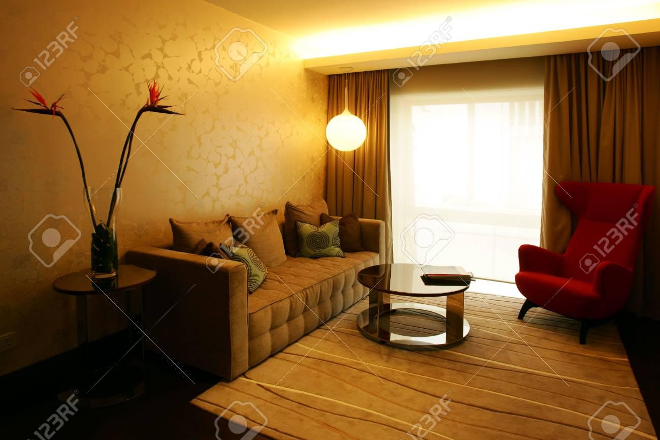 Zeitgenössischer Wohnzimmer Im Modernen Hotel Lizenzfreie Fotos ...