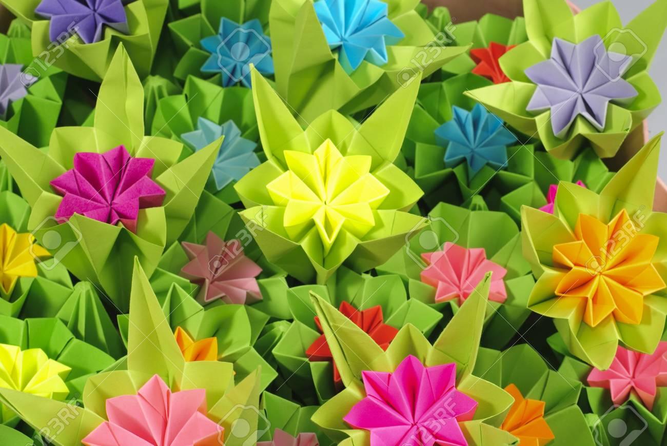 Mazzo Di Fiori Origami.Immagini Stock Origami Mazzo Di Fiori Diversi Close Up Sfondo