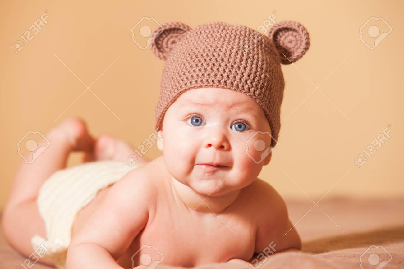999d1a207503 Adorable baby bear Stock Photo - 47946697