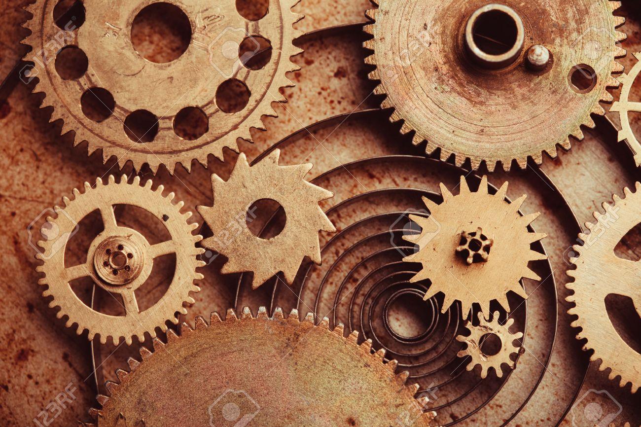 standard bild steampunk hintergrund von mechanischen uhren details uber alte metall hintergrund im inneren der uhr zahnrader