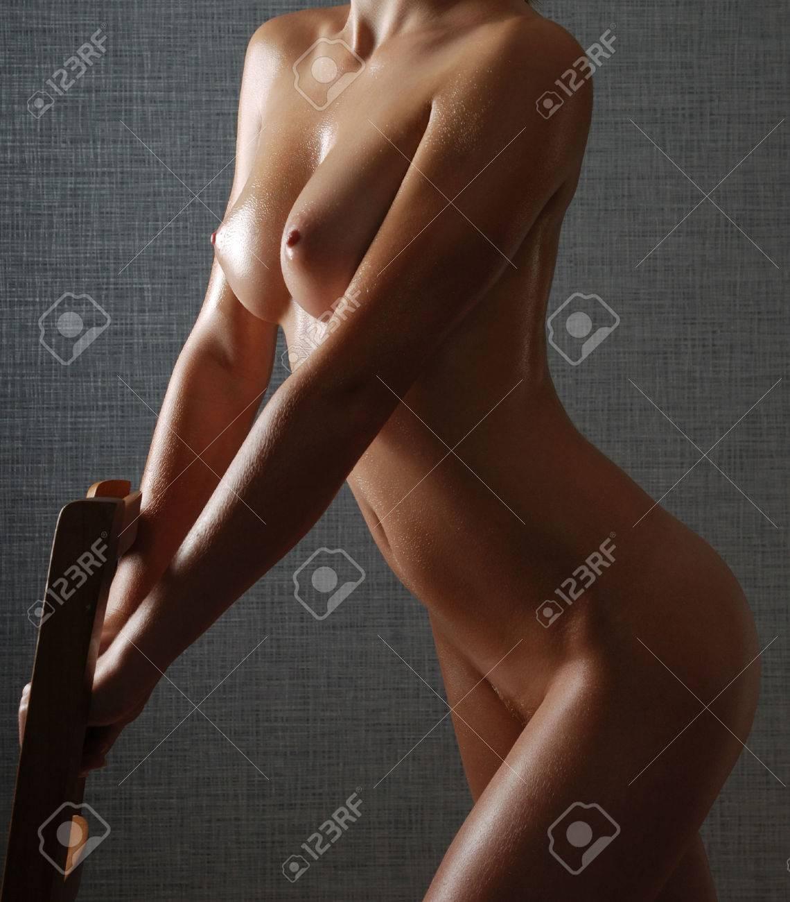 Frau nackt öl