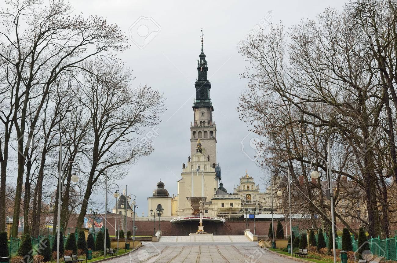 ヤスナ グラ修道院は、聖母マリ...