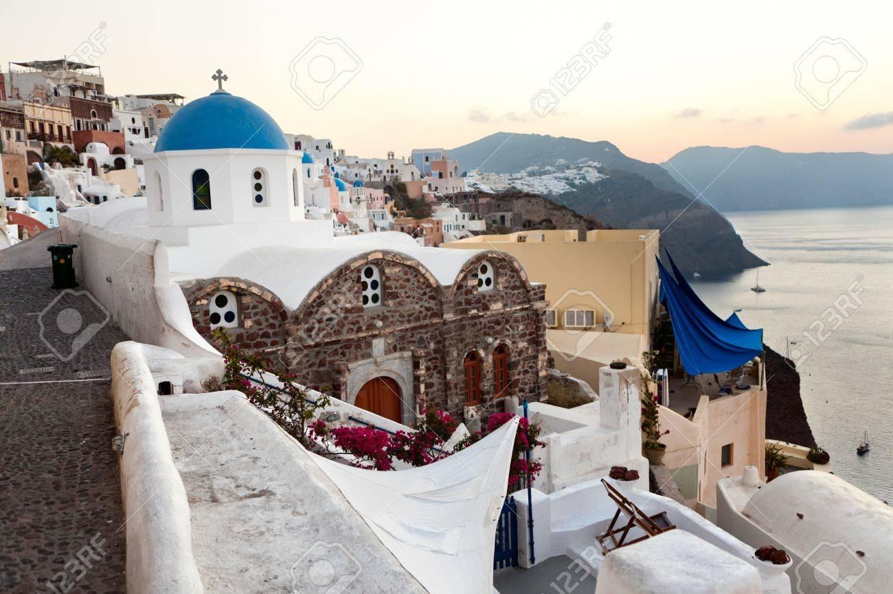 Greece Oia Santorini City Hd Wallpaper Lock Wallpapers