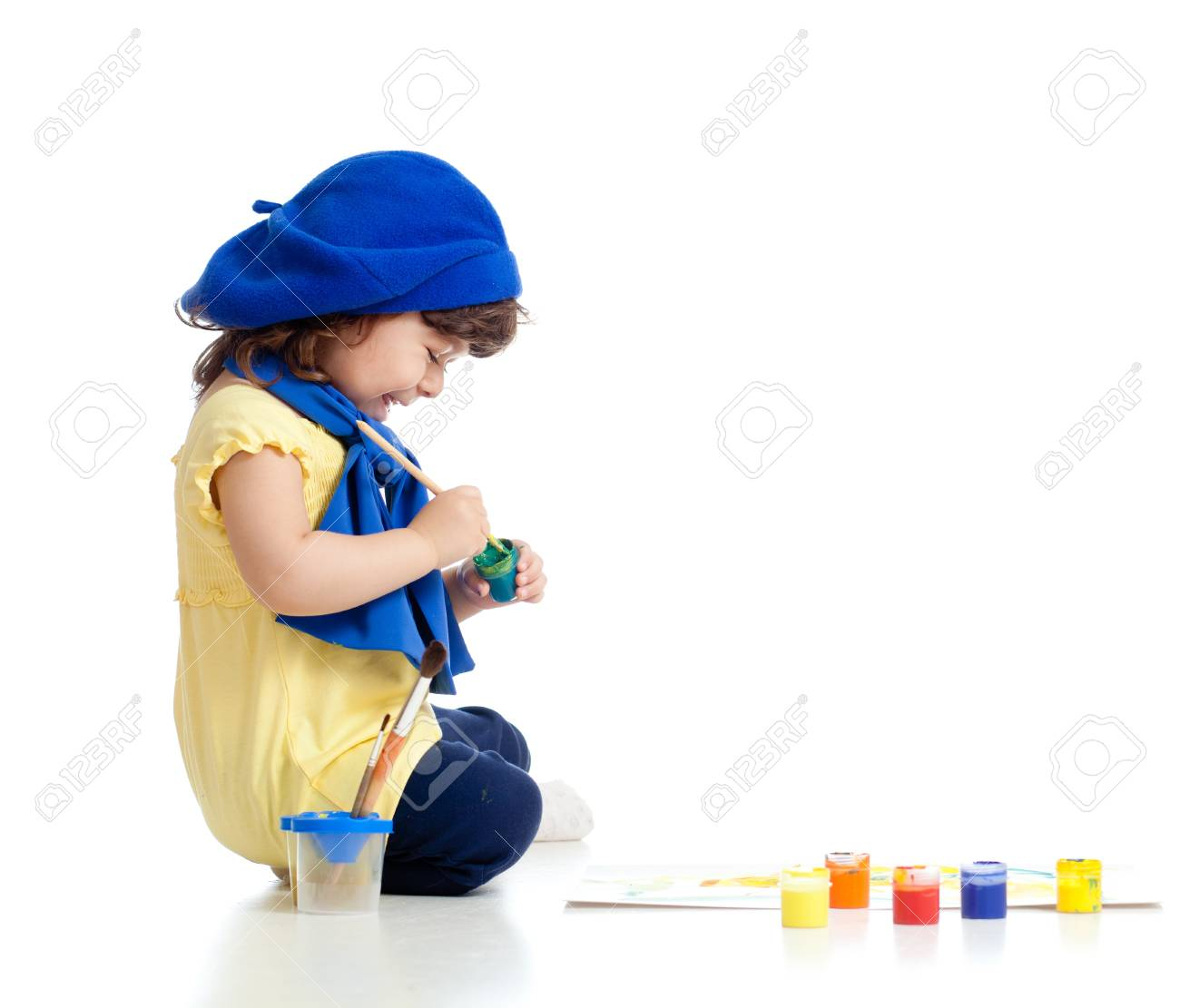 cute artist child drawing and painting Stock Photo - 13758704