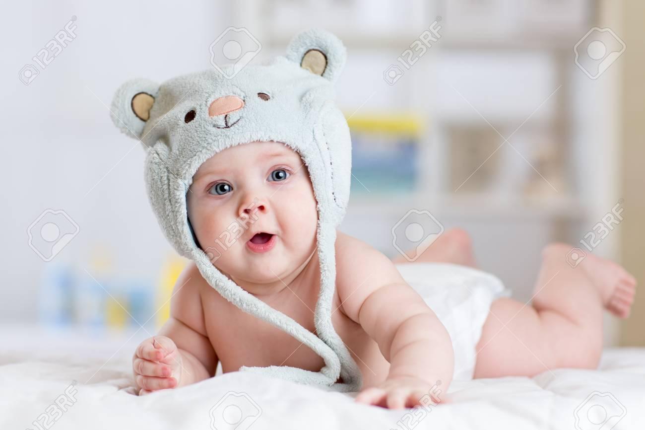 q hace un bebe a los 5 meses