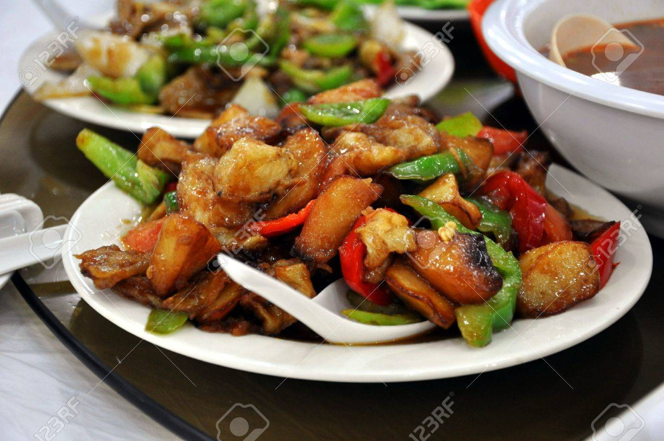 Stir Fried Chicken with Pineapple served at a restaurant in Beijing, China Stock Photo - 8139766
