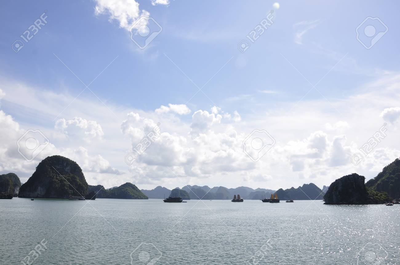 View of the sea and islands at Halong Bay Stock Photo - 8139789