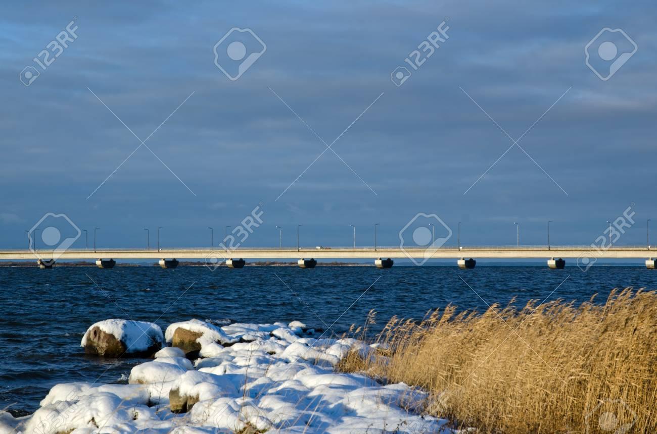 Bridge at winter coast Stock Photo - 16795731