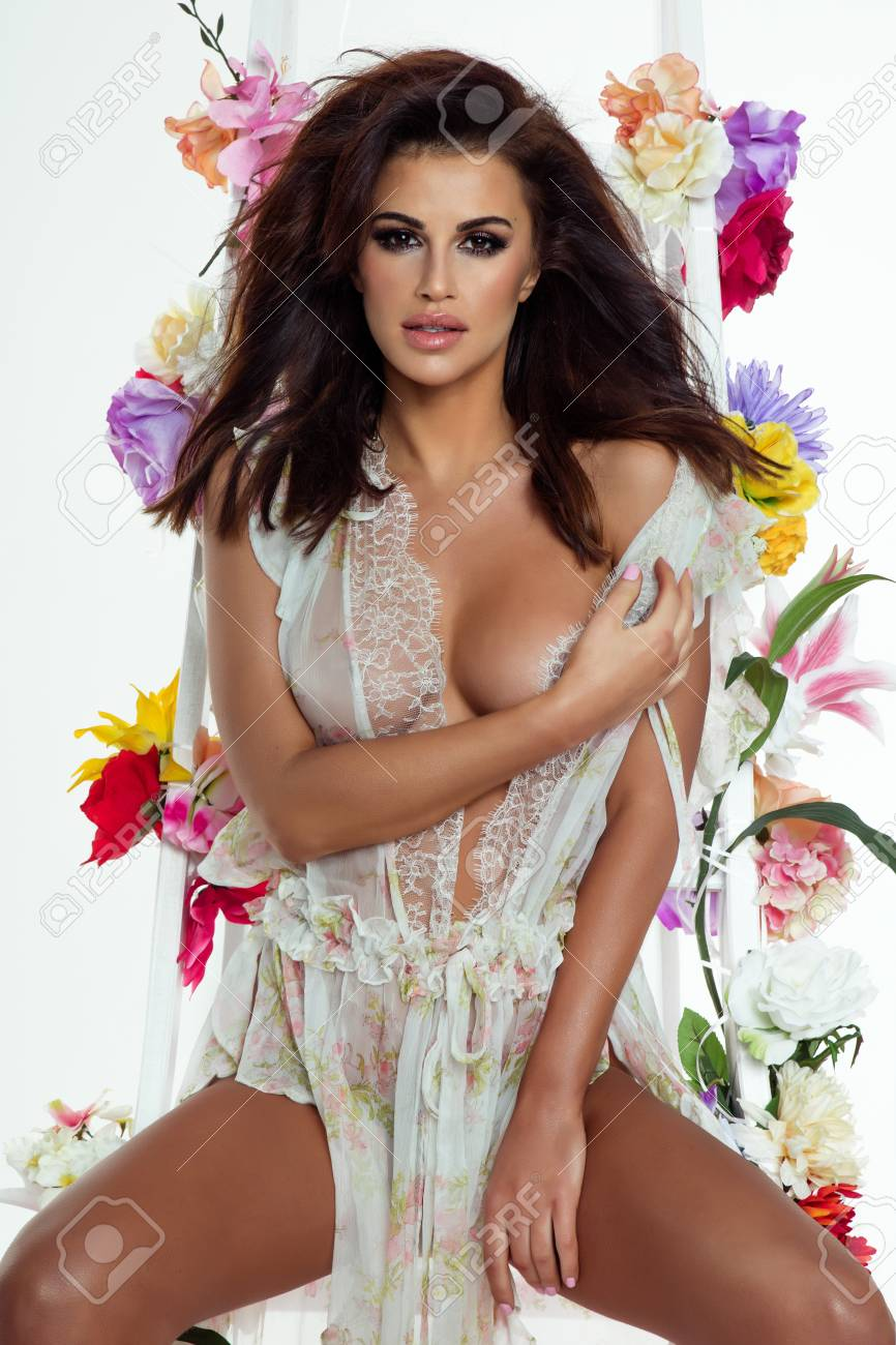 Brunette Perfekter Hot Körper Babe Das neueste