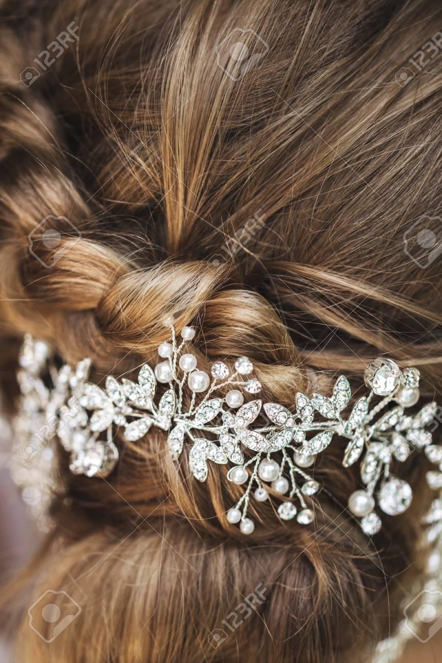 Haarnadel in der Braut, Hochzeit Frisur mit Zubehör mit Schmuck