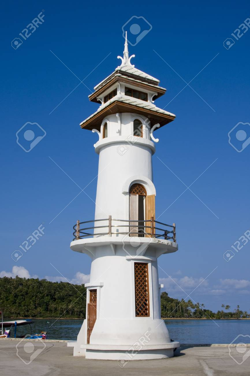 White lighthouse in bay on Koh Chang island, Thailand. Stock Photo - 7105271